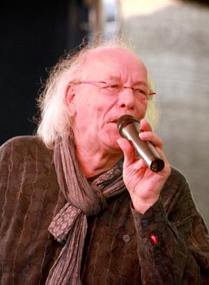 Klaus R. - Vocals